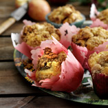 Apple muffins with crumble topping