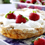 Meringue dessert with strawberries