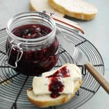 Plum jam with currants