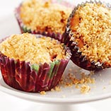 Strawberry and rhubarb muffins with crumble topping