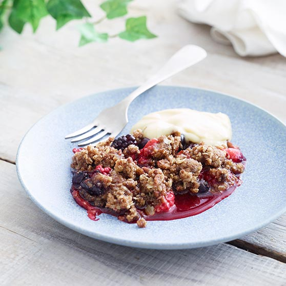Simple berry crisp