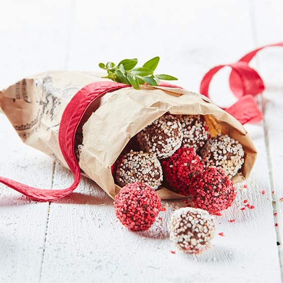 Christmassy chocolate balls