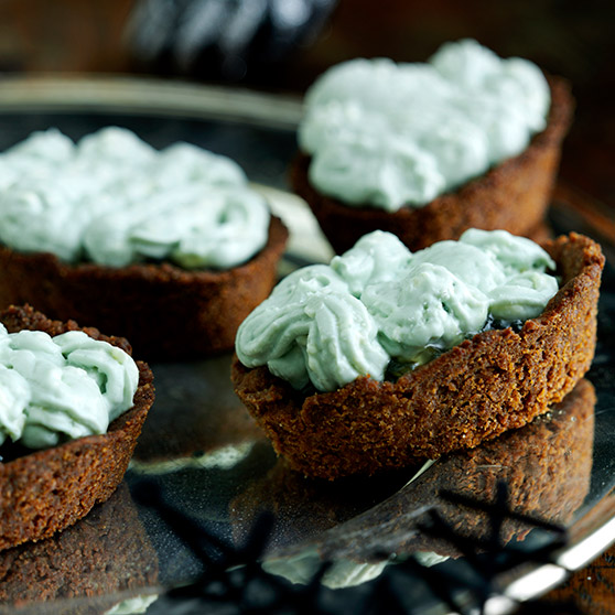 Gingerbread and cheese tartlets