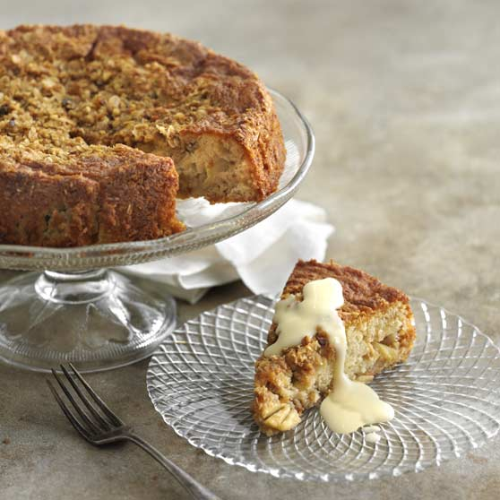 Gullan's luxurious apple cake