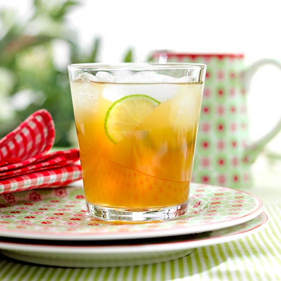 Iced tea with ginger