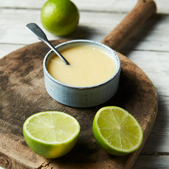 Lime and mulled wine curd