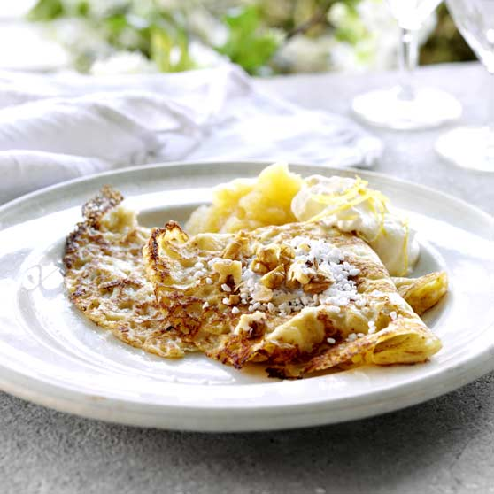 Pancakes with apple compote and lemon cream