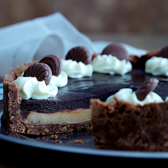 Caramel chocolate pie